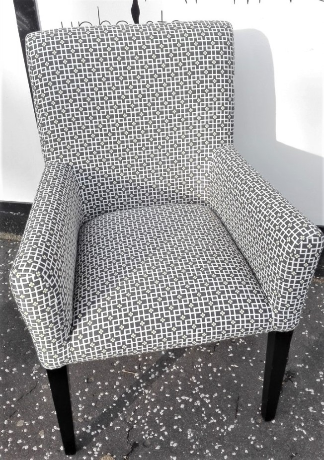 Modern arm chair